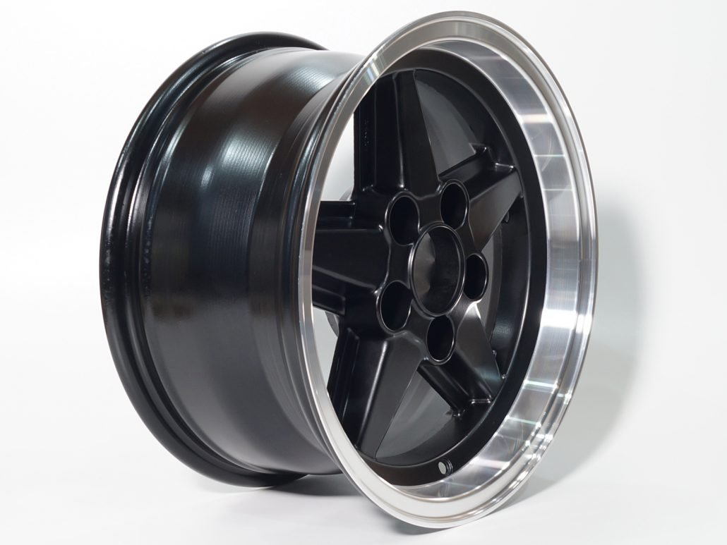 tiefbett glanzdrehen mainhattan wheels. Black Bedroom Furniture Sets. Home Design Ideas