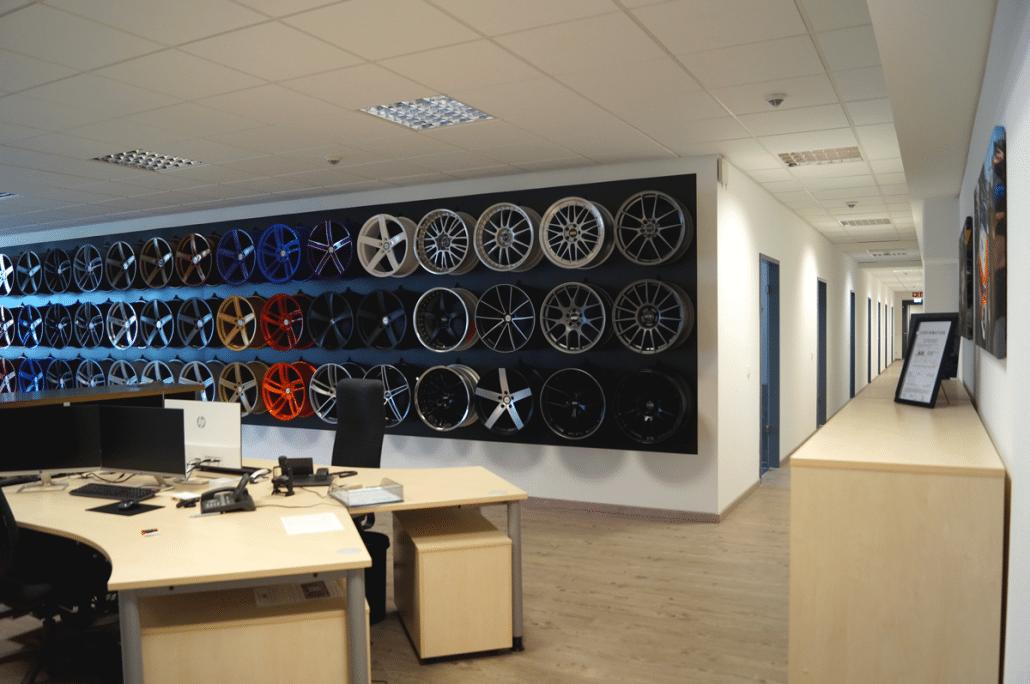 Mainhattan-Wheels Dietzenbach - Kundenberatung und Felgenausstellung 1.OG