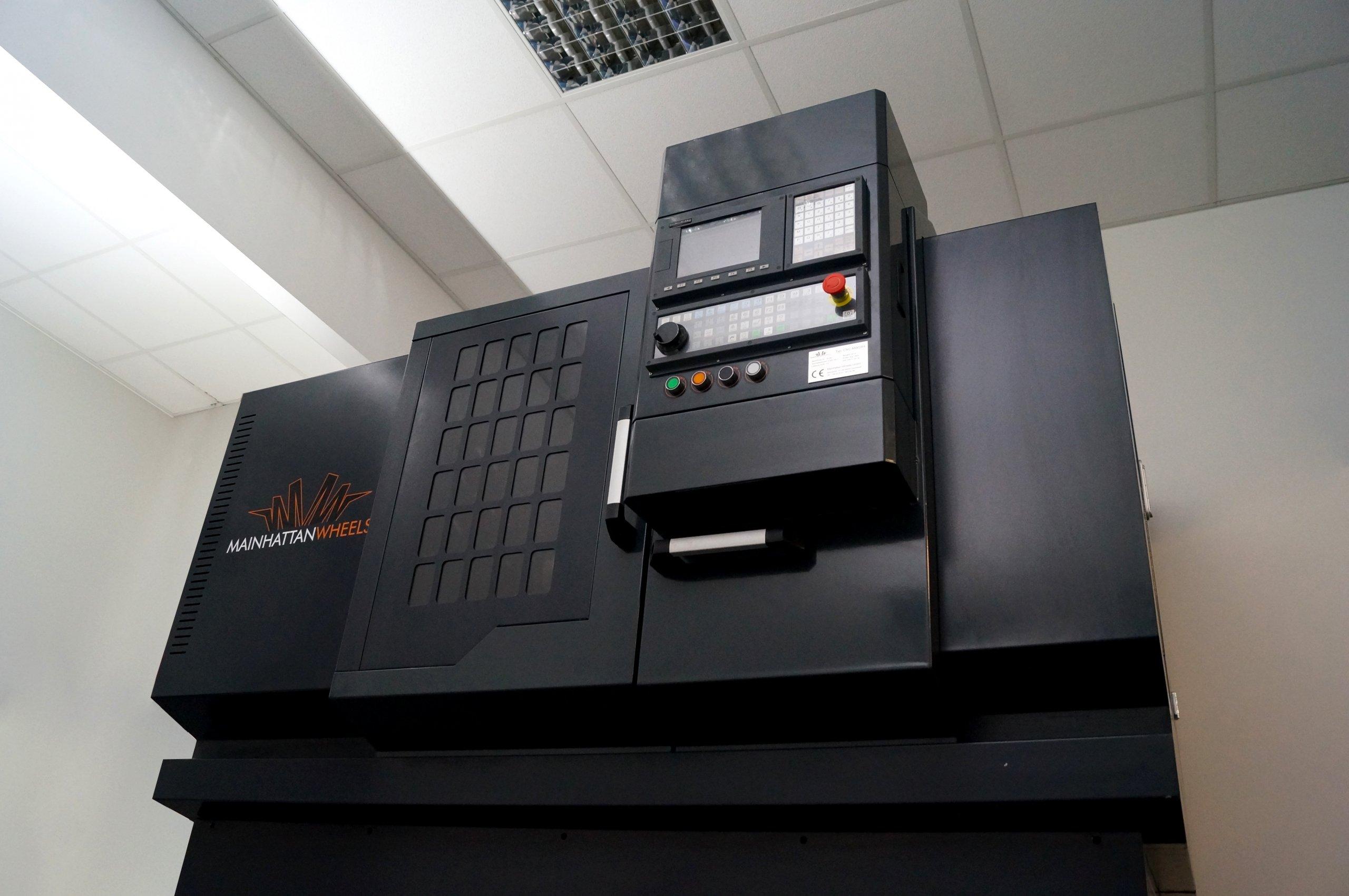 CNC-Maschine-zur-Felgenbearbeitung